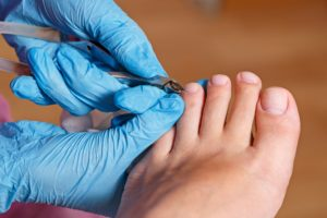 Chiropody Spa salon | Removing cuticle